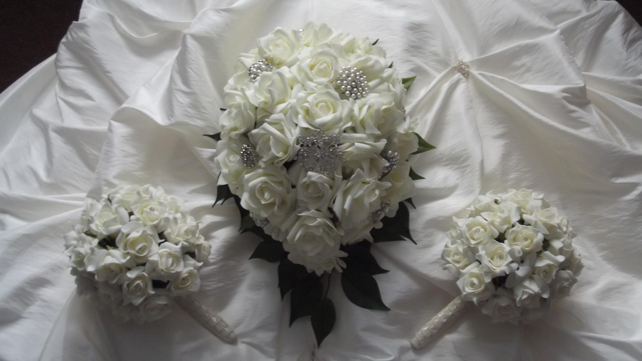 More than perfect wedding flowers for you