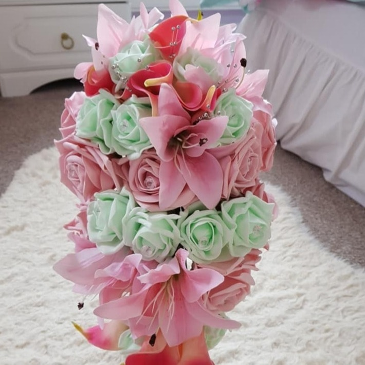 Favours and Flowers by Bridal Silks